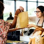 5 Reasons Why Repeat Customers Are Better Than New Customers [Infographic]